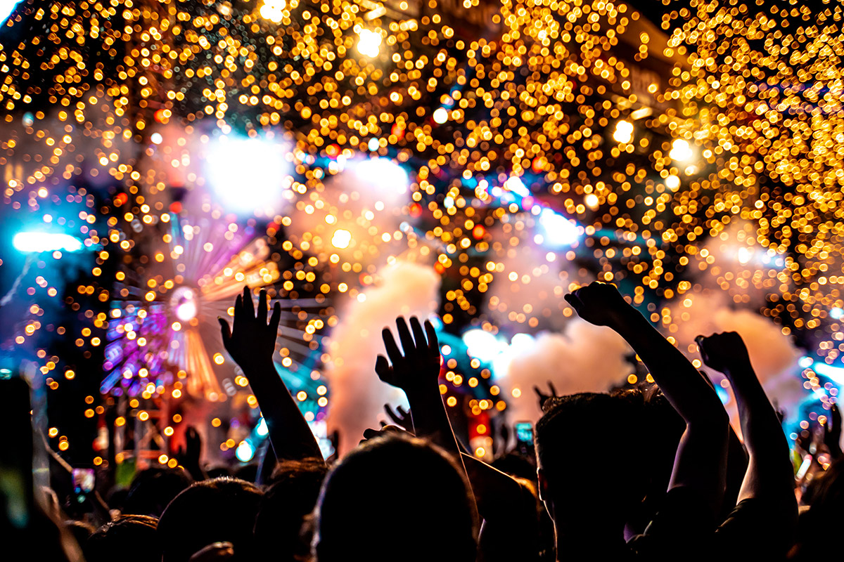 concert-with-bokeh-fireworks