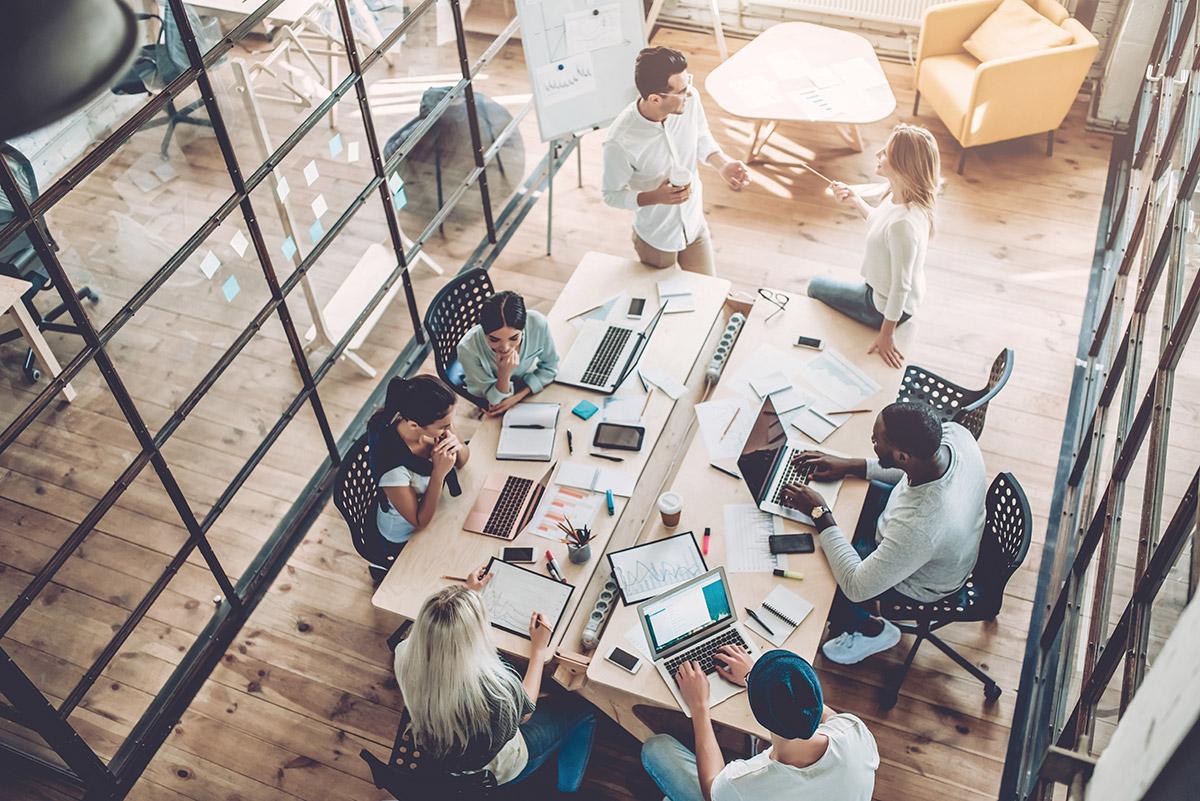 modern-office-meeting-room